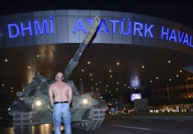 Fallito il golpe. La Turchia torna ad Erdogan