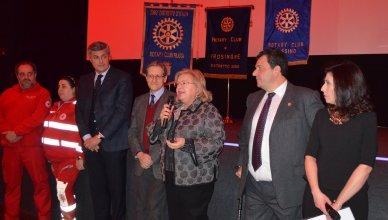 un momento dell'iniziativa del Rotary con S,E. il Prefetto