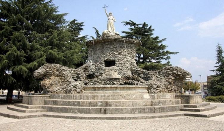 Fontana Biondi Cisterna