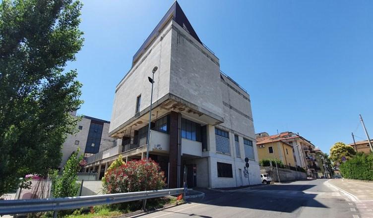 Palazzo Servizi...