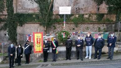 Cori commemora Ezio Lucarelli