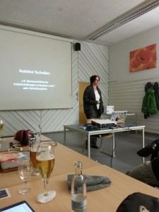 Kerstin Probiesch beim halten eines Vortrags