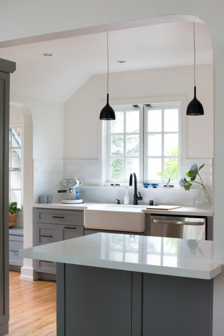 Grey paint colours by benjamin moore little dekonings for Benjamin moore chelsea gray kitchen