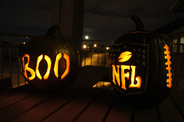 pumpkin carving // LLinaBC.com