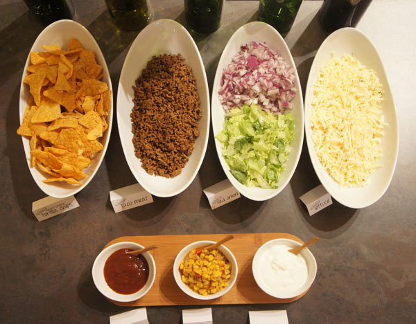walking taco bar // LLinaBC.com
