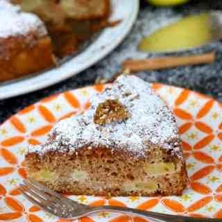 Easy Apple Sharlotka (Russian Apple Cake) baked in Multicooker REDMOND