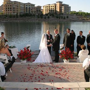 Lakeside wedding at Aston MonteLago