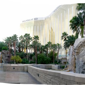 Panoramic view of Mandalay Bay's wedding venue: Valley of the Falls. Photo: Little Vegas Wedding