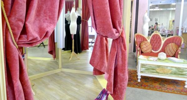 Wedding dress shopping in las vegas for Wedding dress stores las vegas