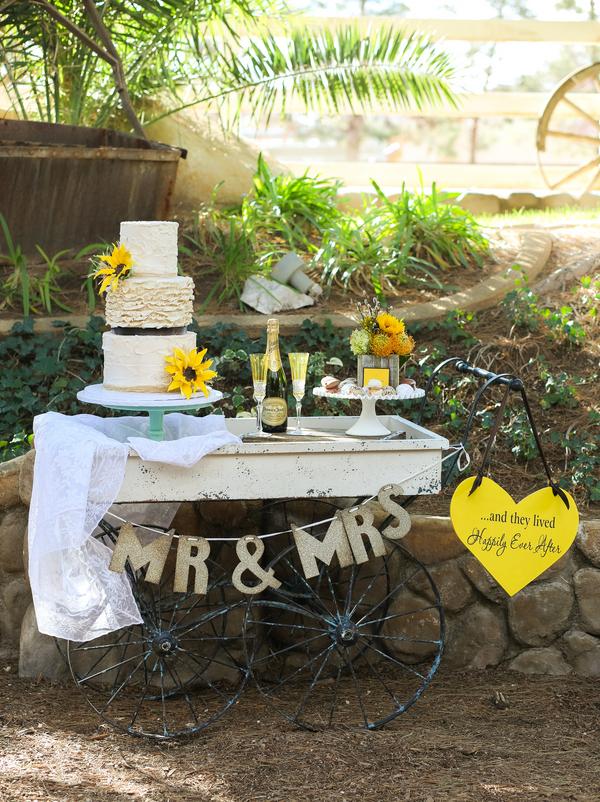 Rustic Ranch Wedding Inspiration | Little Vegas Wedding