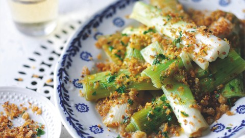 Leeks With Spicy Pollen Breadcrumbs Recipe