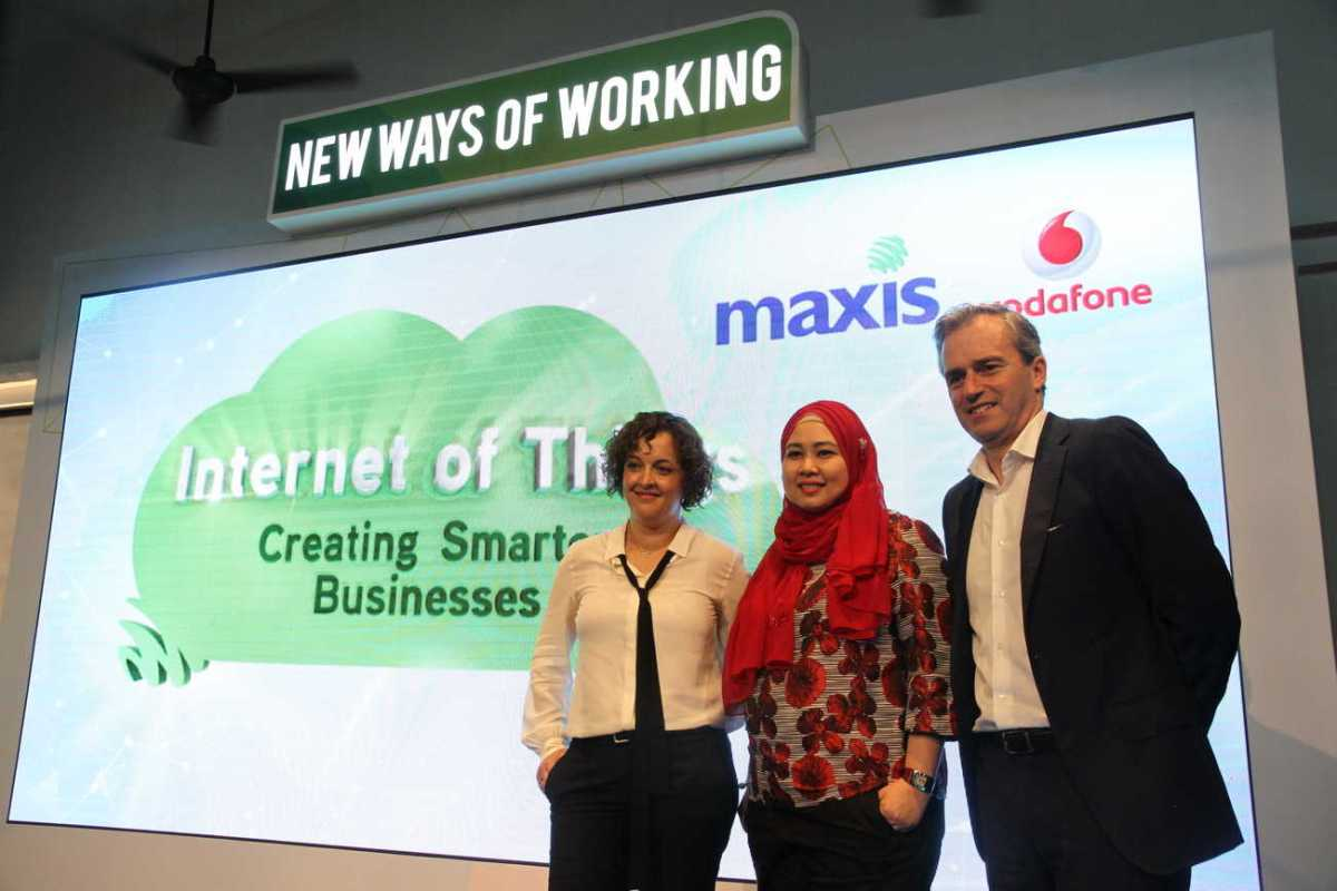 Creating Smart Businesses with Maxis and Vodafone's Internet of Things (IoT)