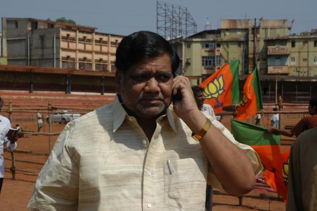 Jagadish Shettar's government is in danger of facing a no-confidence ...
