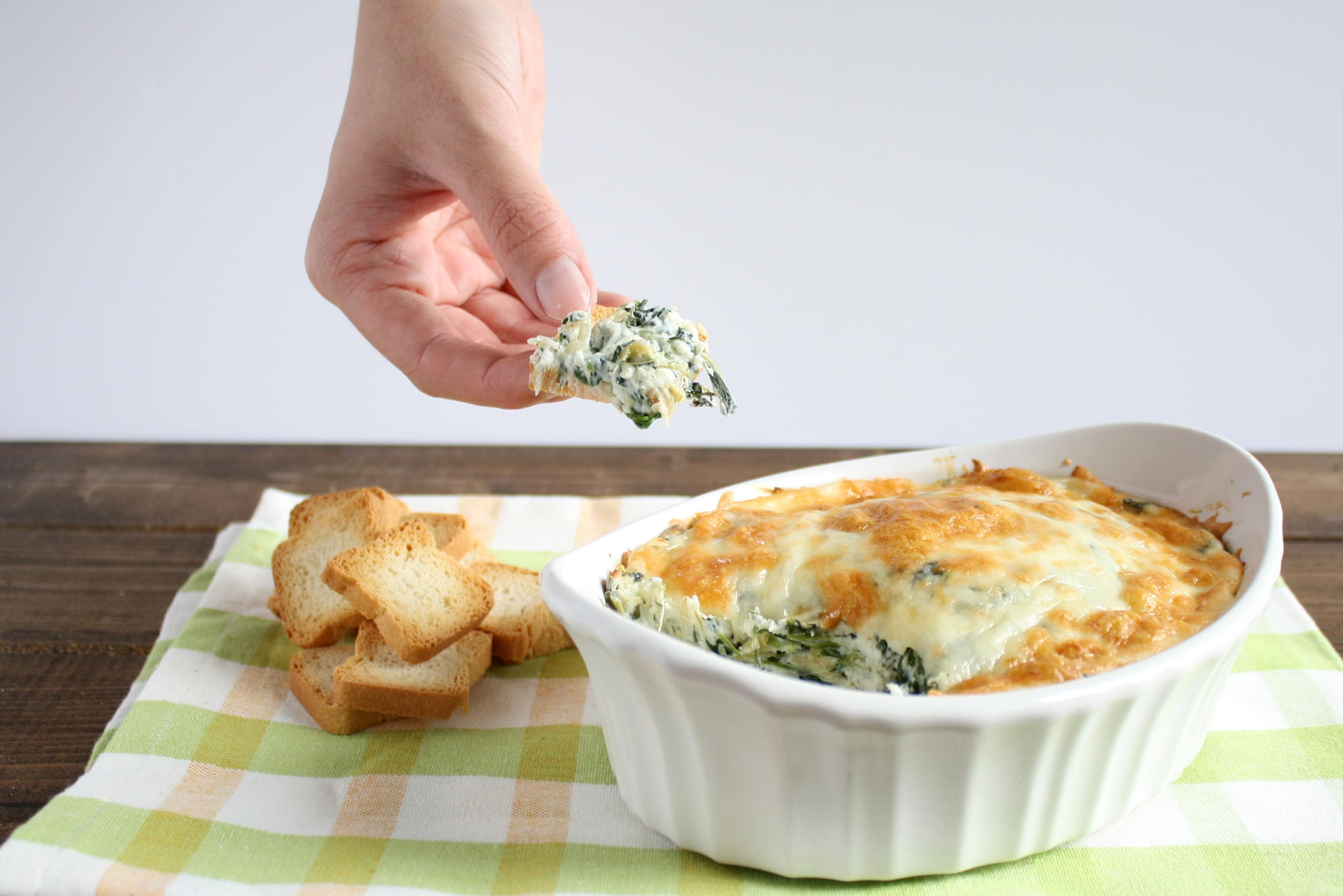 Skinny Spinach Artichoke Dip – Save yourself the calories and fat ...