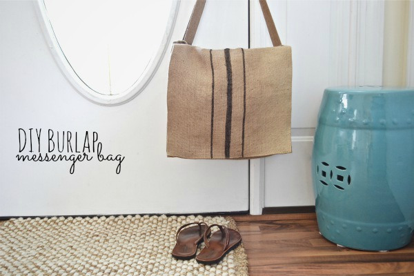DIY Burlap Messenger bag - lizmarieblog.com