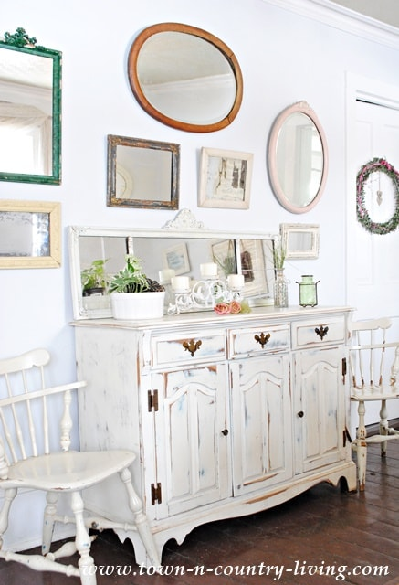Collection-of-Vintage-Mirrors