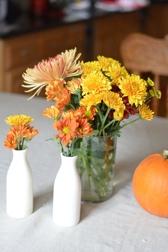 Having some flowers throughout the house makes me smile all week long! Here are 6 Tips for Starting the Week off with a Clean, Cheerful, Well Stocked Kitchen
