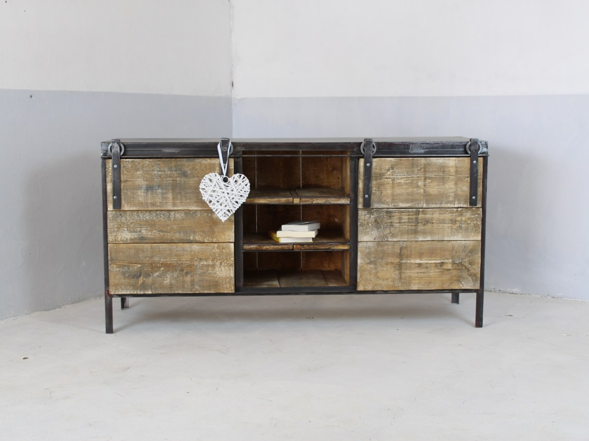 Buffet vestiaire industriel 3 portes loft industeel for Meuble 1 porte bois