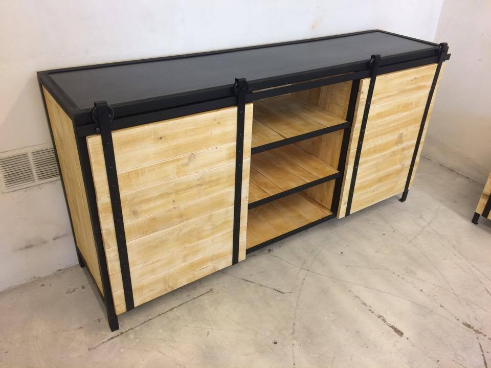 Buffet clopets ron o loft industeel - Buffet loft industriel ...