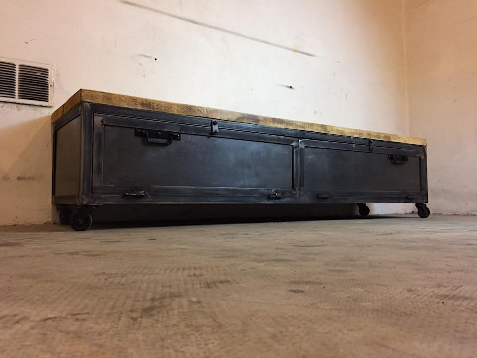 Meuble tv industriel style vestiaire