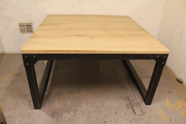 Table repas chêne industriel