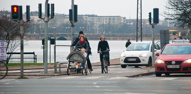 Copenhagen cyclists waiting at traffic light