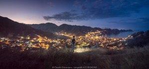 Foto notturna delle montagne sopra magagna, colombia, all'alba