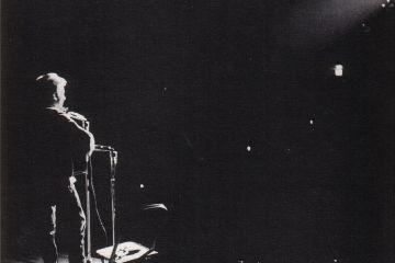 1024px-Bob_Dylan_in_November_1963-5