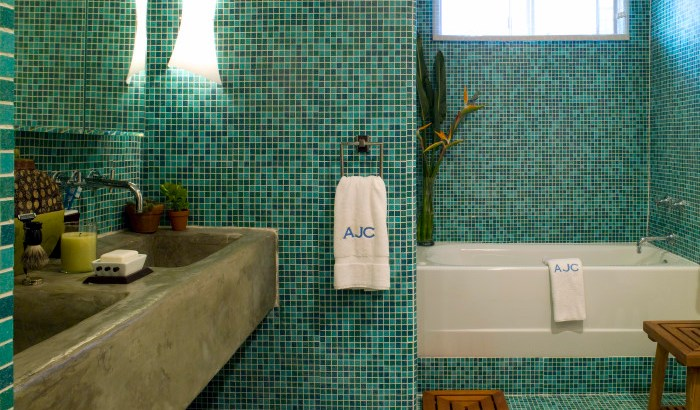 LORI DENNIS INTERIOR DESIGN TILE BATHROOM