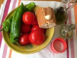 Ingredientes para el gazpacho gaditano