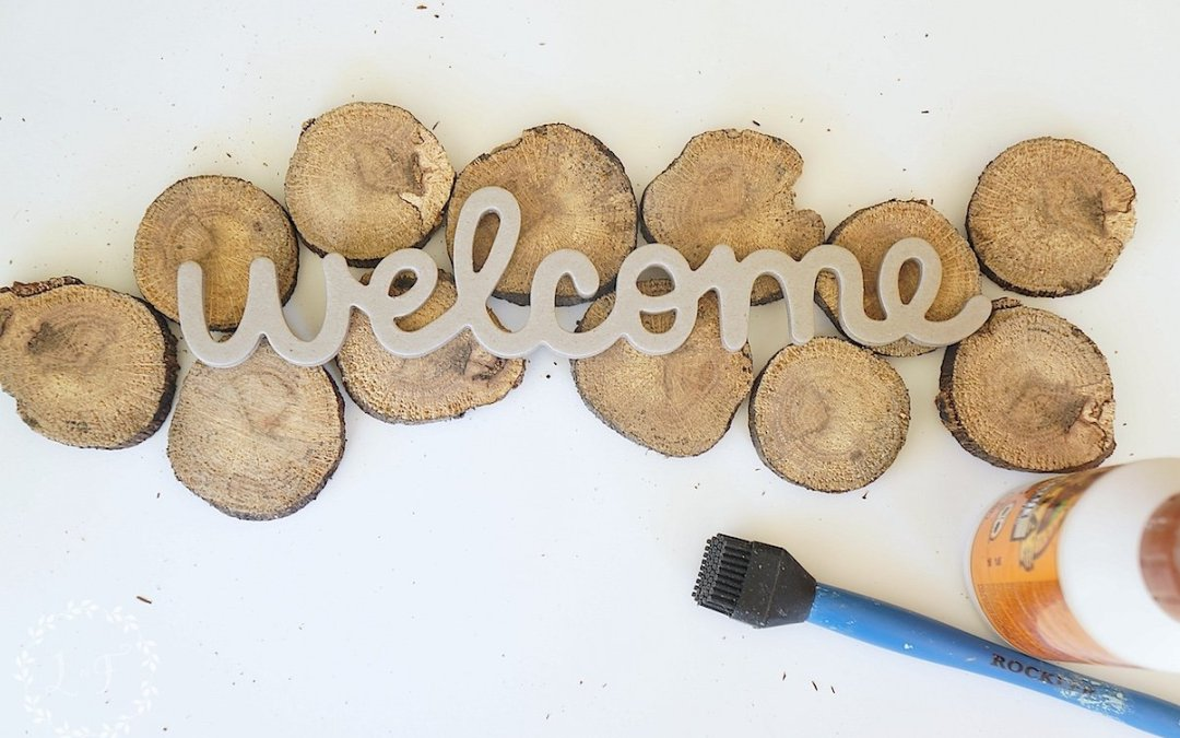 DIY Wood Slice Sign { How To }