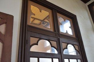 室内の扉にも装飾
