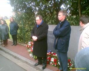 En 2006 à Croissy Michel Rocard rend hommage à Philippe Brocard assassiné 20 ans plus tôt.