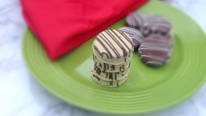 chocolate-dipped-oreo-cookies