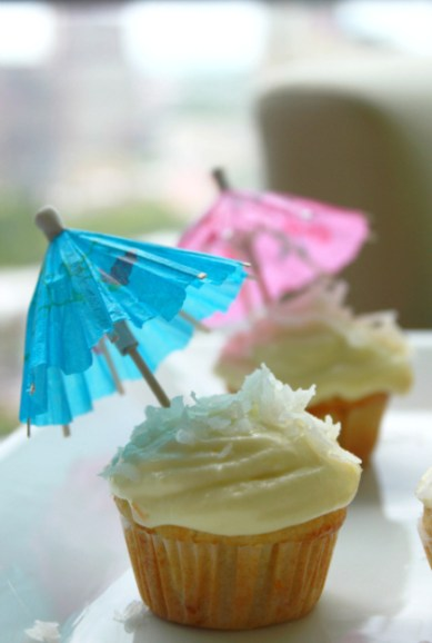 how to make piña colada cupcakes