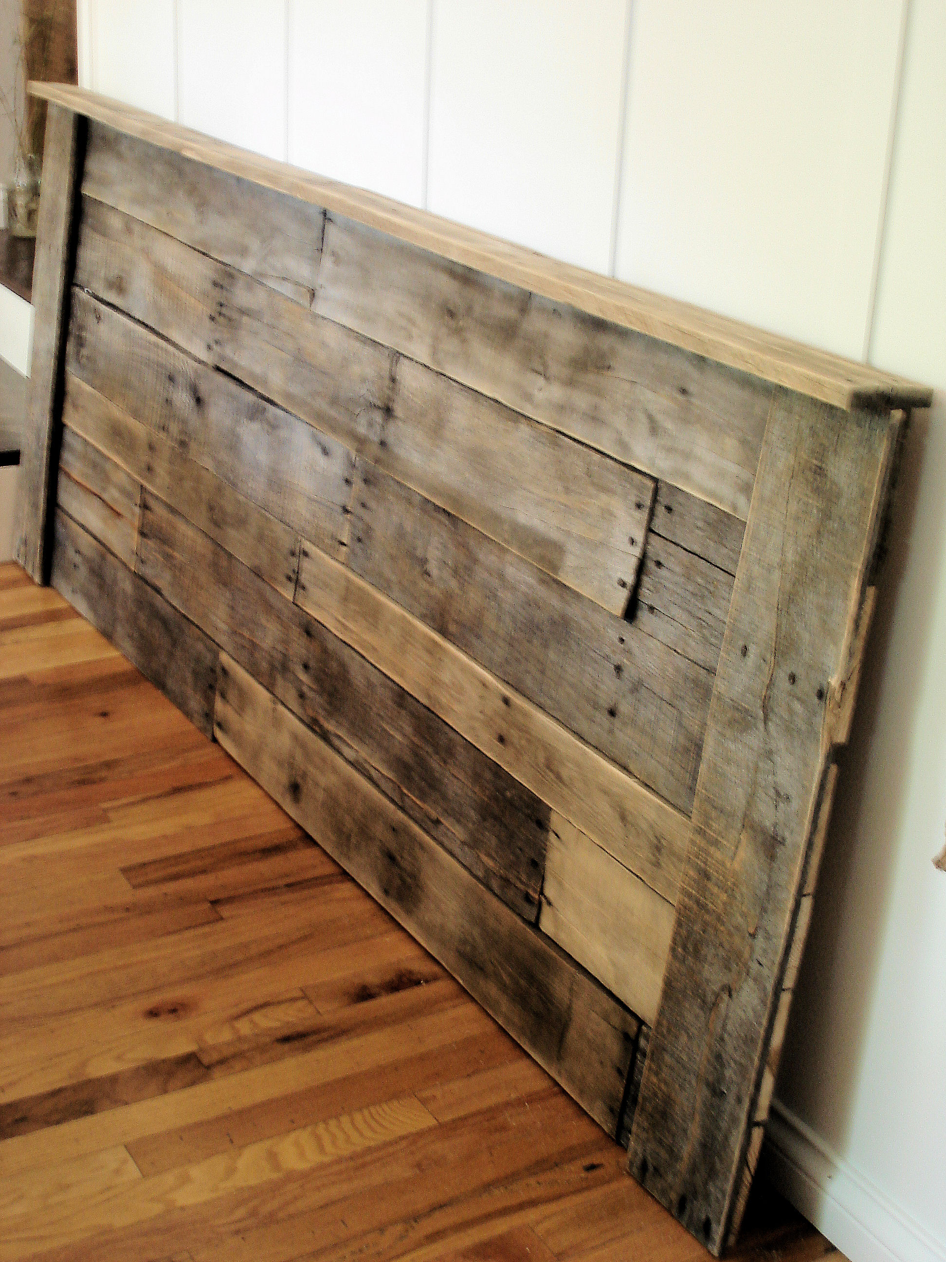187 Upcycling Pallet Headboard