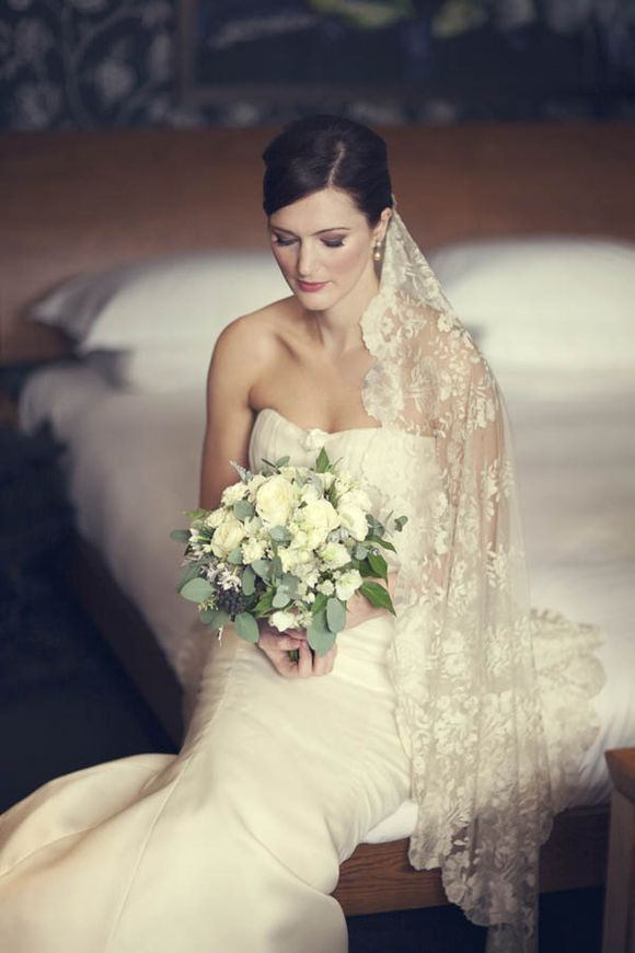 Vera Wang Elegance for a Queens College Cambridge Bride…