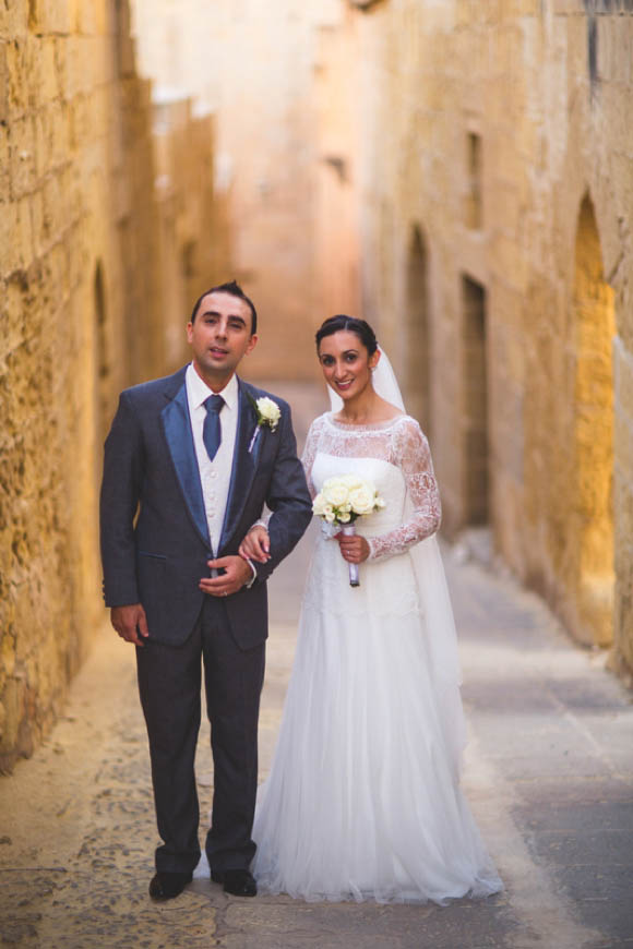 An Elegant Lace Jesus Peiro Wedding Dress for a Cathedral Wedding in the Sun…