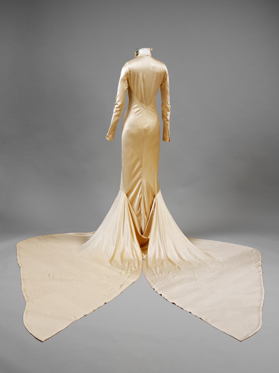 The V&A Wedding Dress Exhibition: 1775 – 2014
