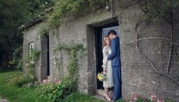 A £20 Dress for a Country House Wedding in Devon, Filled With Retro Style and Vintage Charm