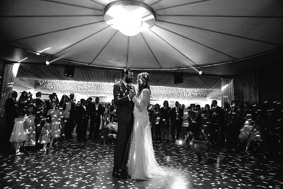 Modern Vintage Glamour, Gold and a David Fielden Bride (Weddings )