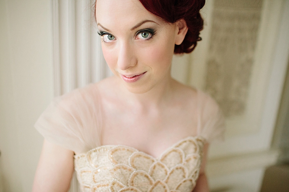 A Gold Tulle Gown for a 40s and 50s Vintage Inspired Wedding (Films Weddings )