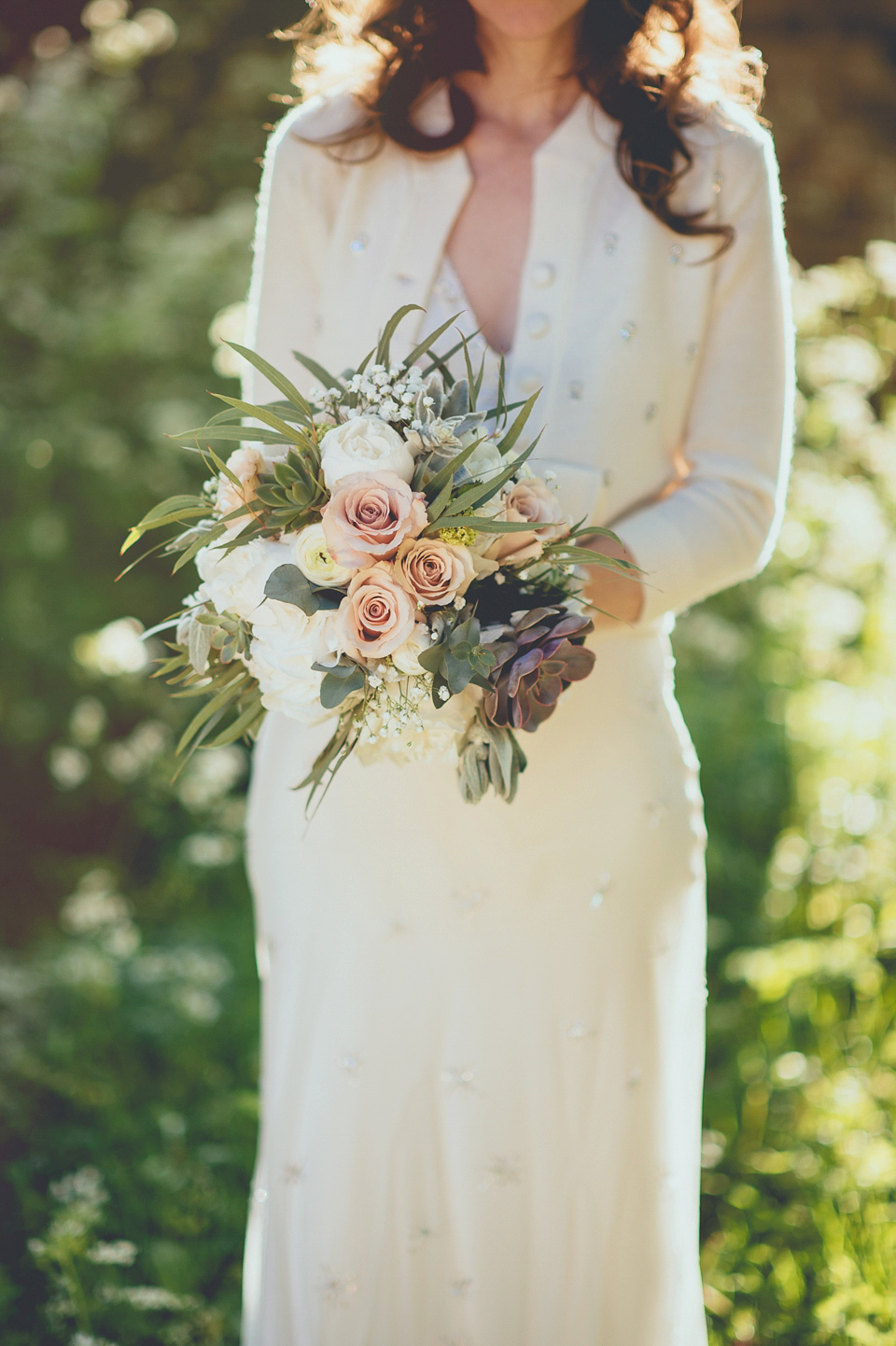 Jenny Packham for a Classic English Spring wedding with a Vintage French Twist (Weddings )