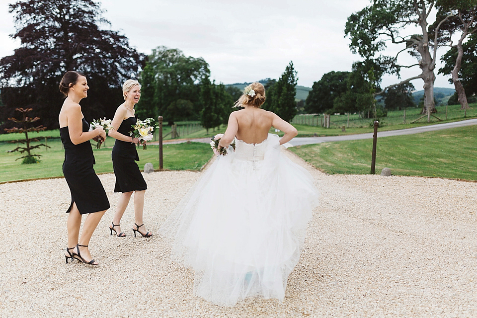 A Tulle Gown and Bridesmaids in Black for an Elegant Travel Inspired Wedding (Weddings )