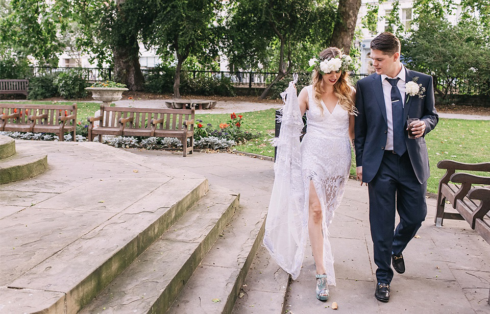 An Hermione de Paula Gown for a Modern and Minimalist London Wedding (Weddings )