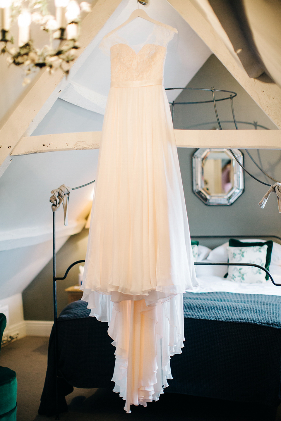 A Naomi Neoh Gown for a Romantic and Handmade Cripps Barn Wedding in the Cotswolds (Weddings )