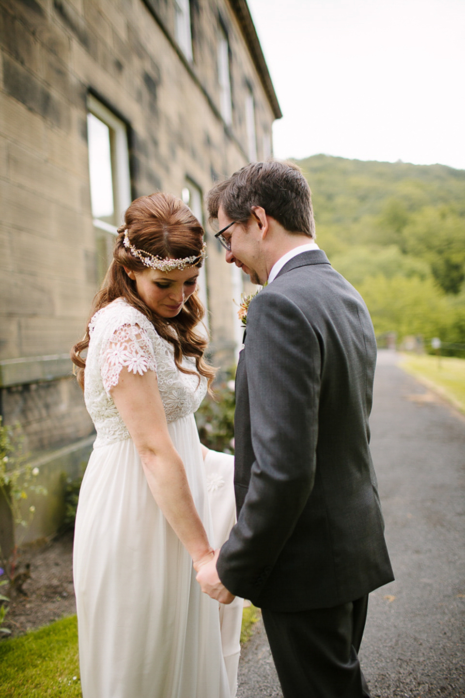 A Bespoke 1960s Inspired Gown for a Garden Party Wedding Filled with Wild Blooms (Weddings )