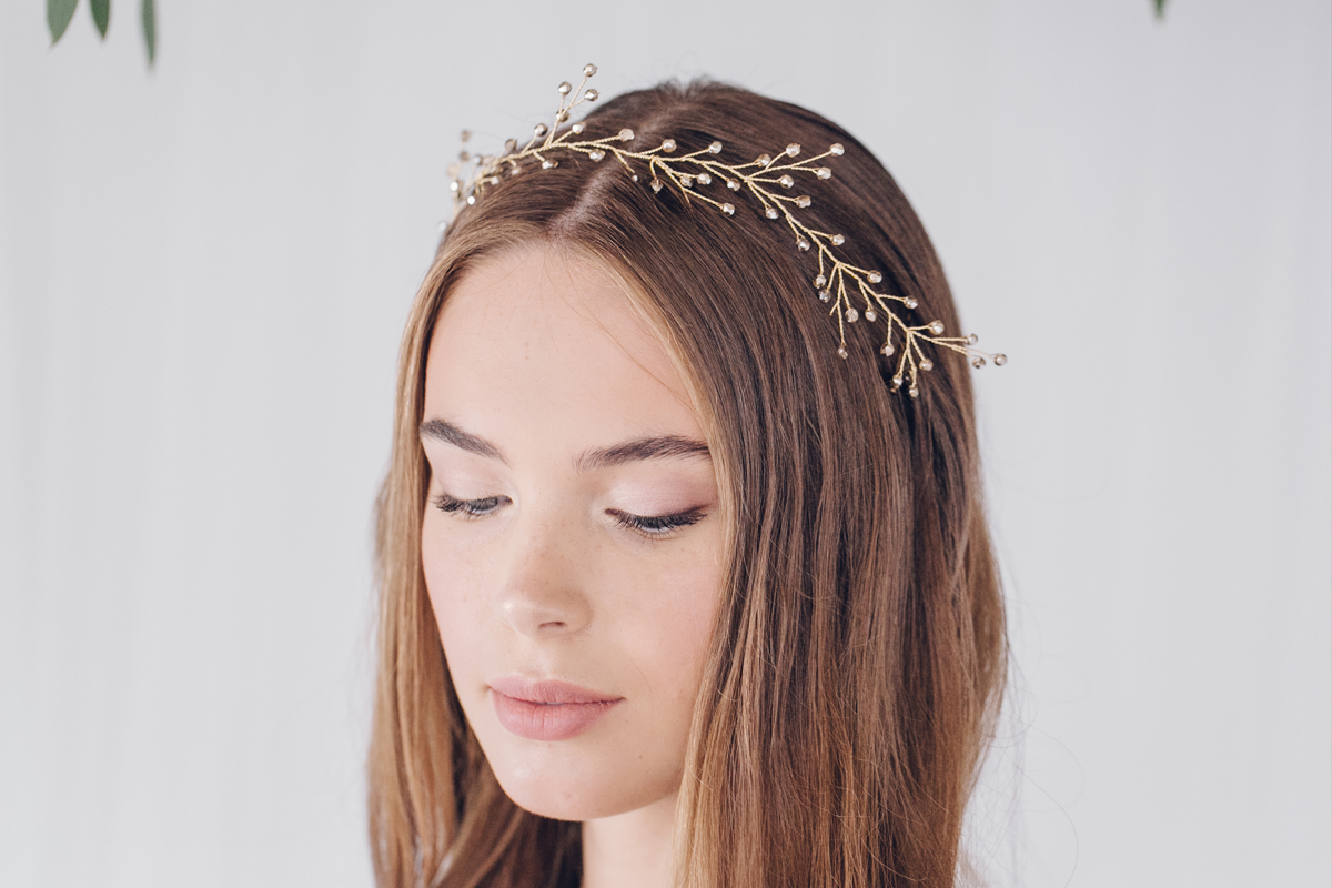 Debbie Carlisle - Different Hair Accessory Styles for Different Brides (Bridal Fashion Fashion & Beauty Get Inspired )