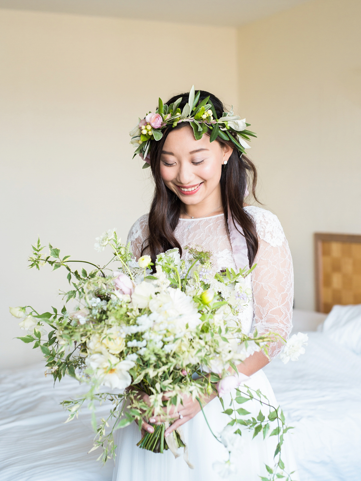 anna kara lace and flowers in her hair for a romantic chinese irish wedding love my dress uk. Black Bedroom Furniture Sets. Home Design Ideas