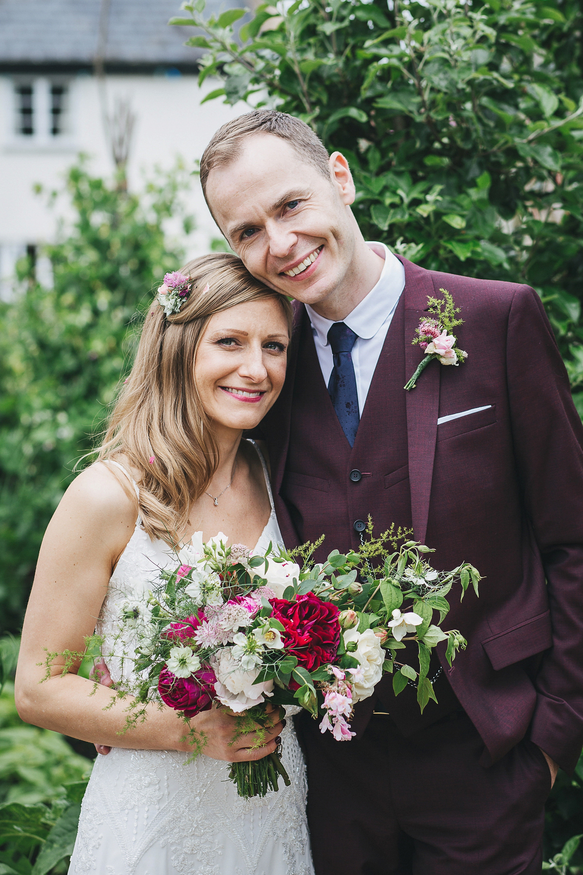 A Pretty and Relaxed River Cottage Wedding
